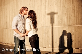 Baltimore Harbor Engagement Pics07