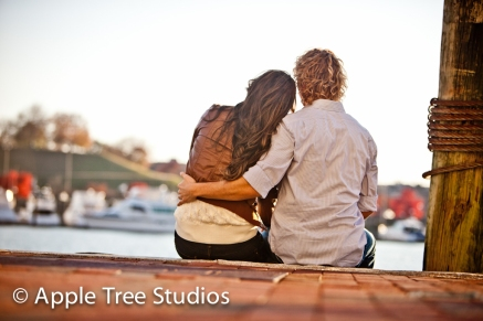 Baltimore Harbor Engagement Pics08