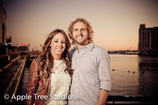 Baltimore Harbor Engagement Pics19