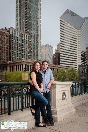 Millenium Park Chicago Engagement Photos-13