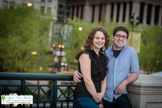 Millenium Park Chicago Engagement Photos-14