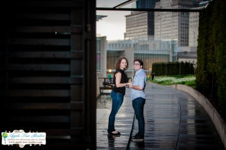 Millenium Park Chicago Engagement Photos-15