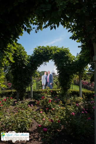 Grant Park Rose Garden Chicago Wedding-29
