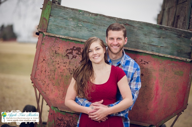 Twin Creeks Golf Course Manville IL Engagement Session